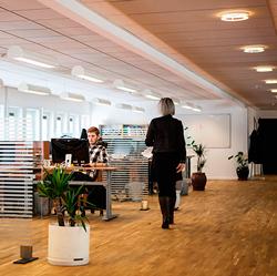 Imagen de una oficina de una empresa publica